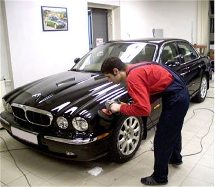 Особенности полировки черного авто