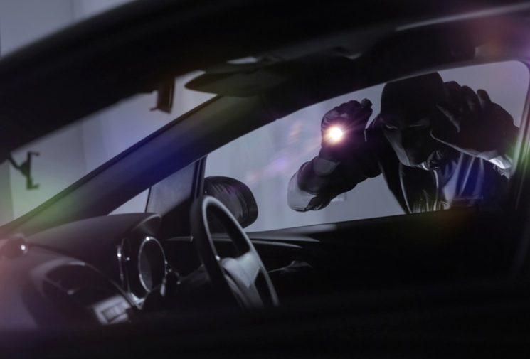 Что делать, если угнали машину? Куда звонить, как писать заявление обугоне?