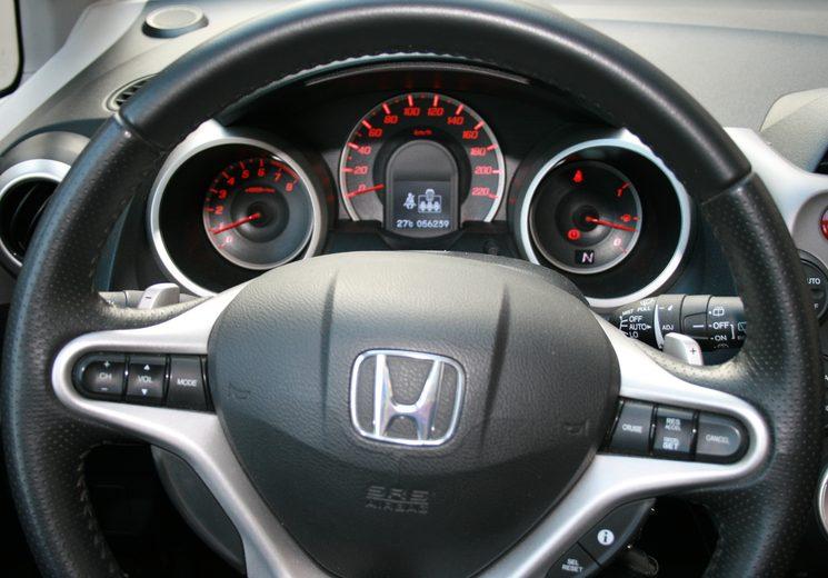 Как лучше фотографировать автомобиль для продажи