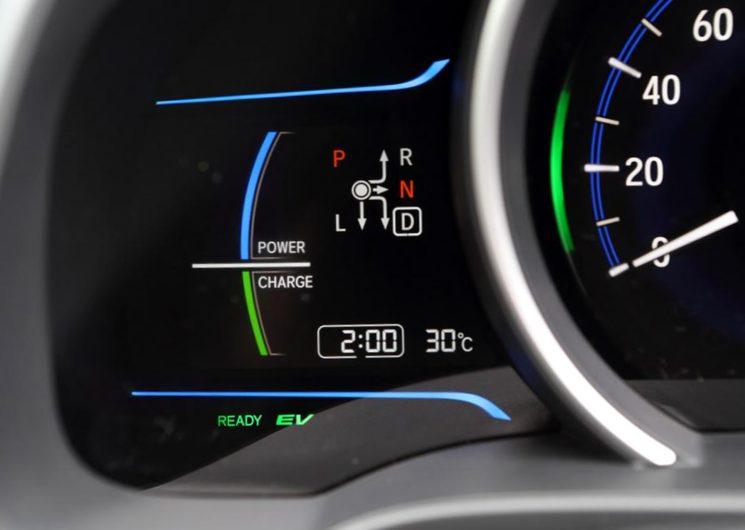 В ПДД введены термины «электромобиль» и «гибридный автомобиль»