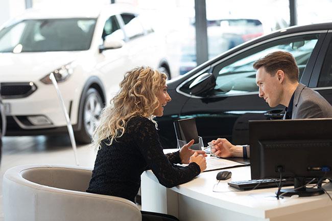Как поставить автомобиль научет?